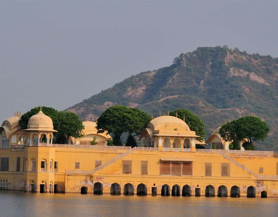 Cheapest Rajasthan Tour From in Delhi By Car,