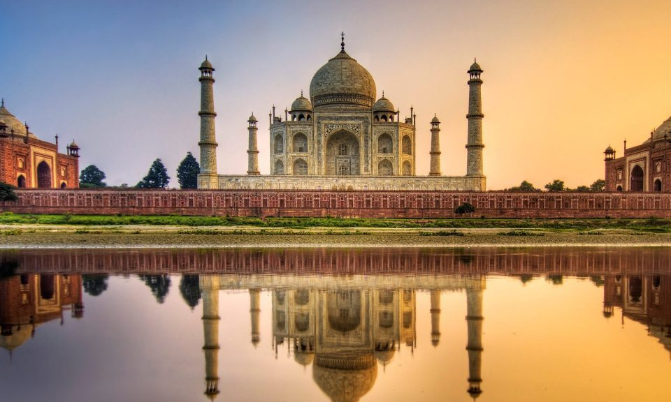 Golden Triangle Delhi Agra Jaipur Tour Packages Car Hire Taxi Rental Service,